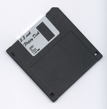 floppy disks 3 5 2hd diskette disketten 10 unit box. Black Bedroom Furniture Sets. Home Design Ideas